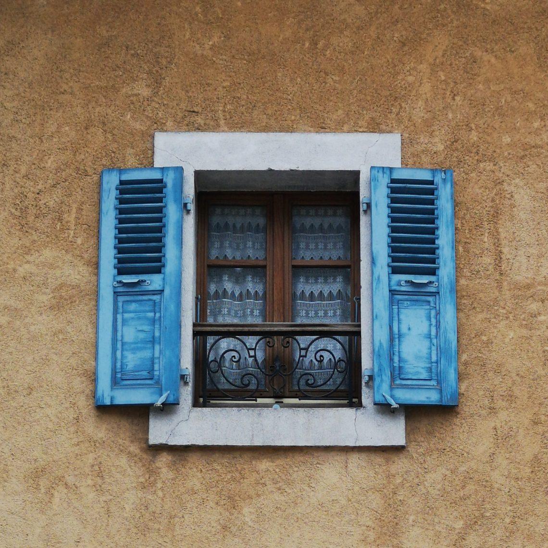 za moim oknem